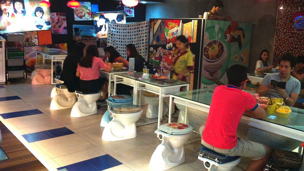 restaurantes_originales_modern_toilet2